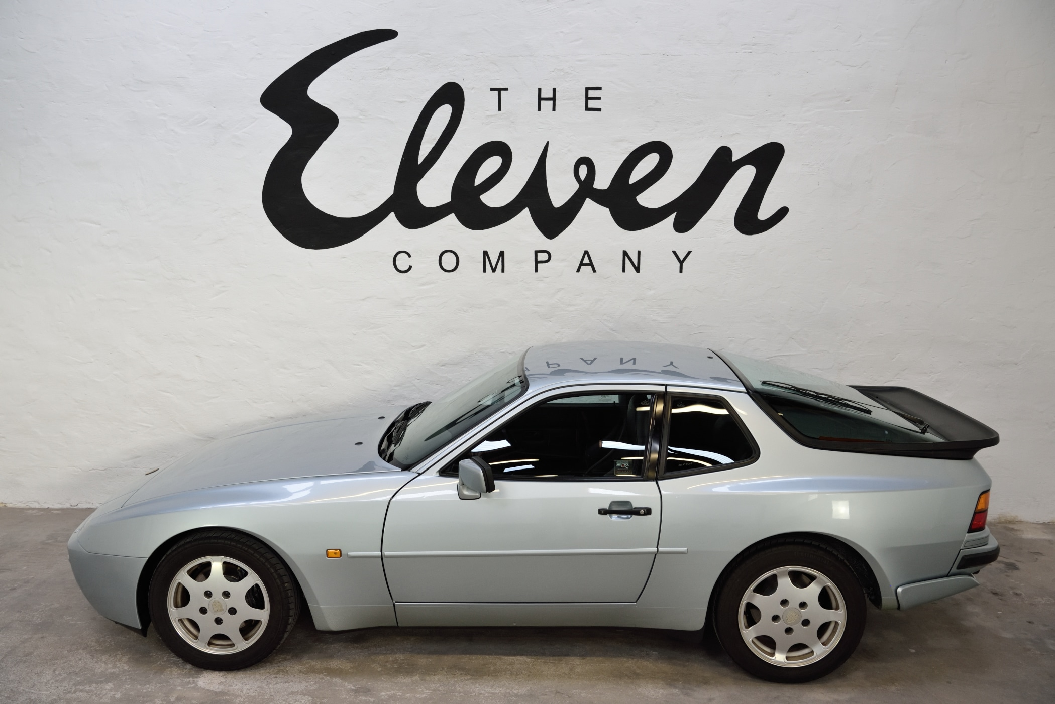 944 Turbo M030