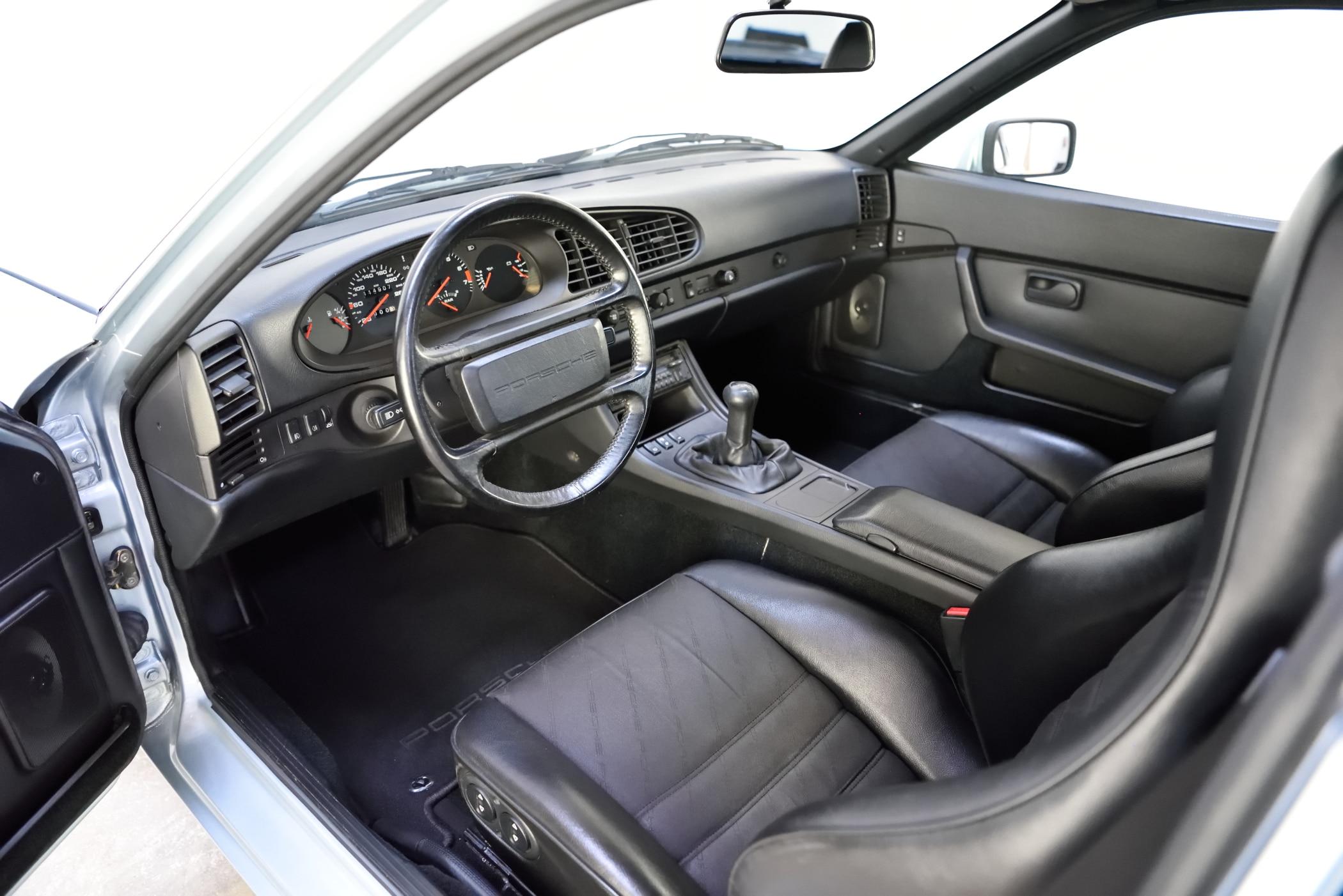 944 Turbo 1989