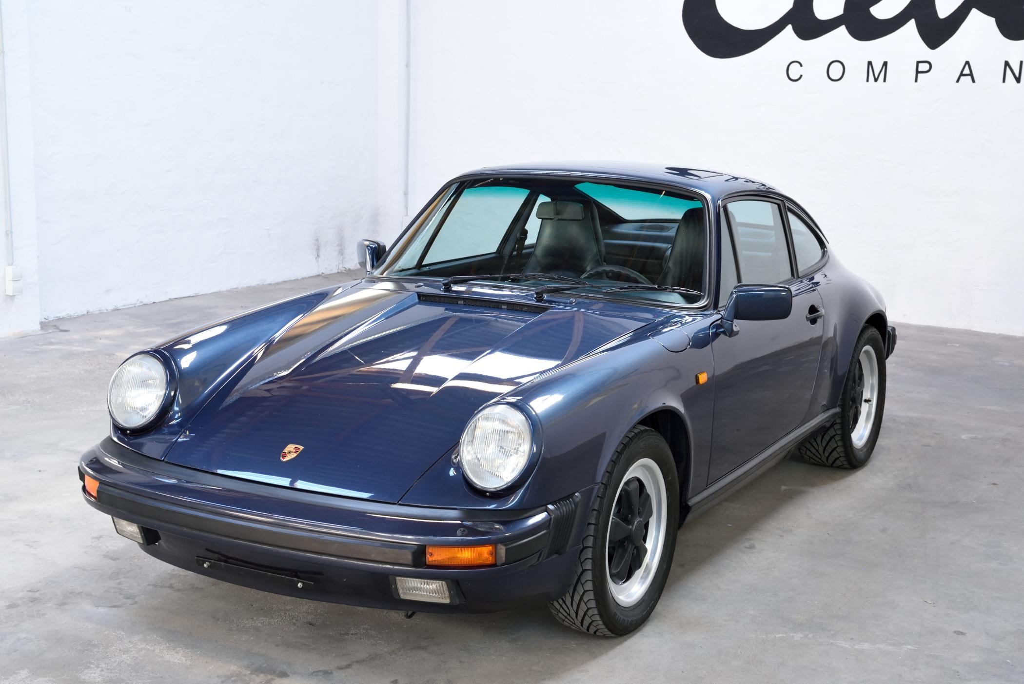 Porsche 911 preußisch blau