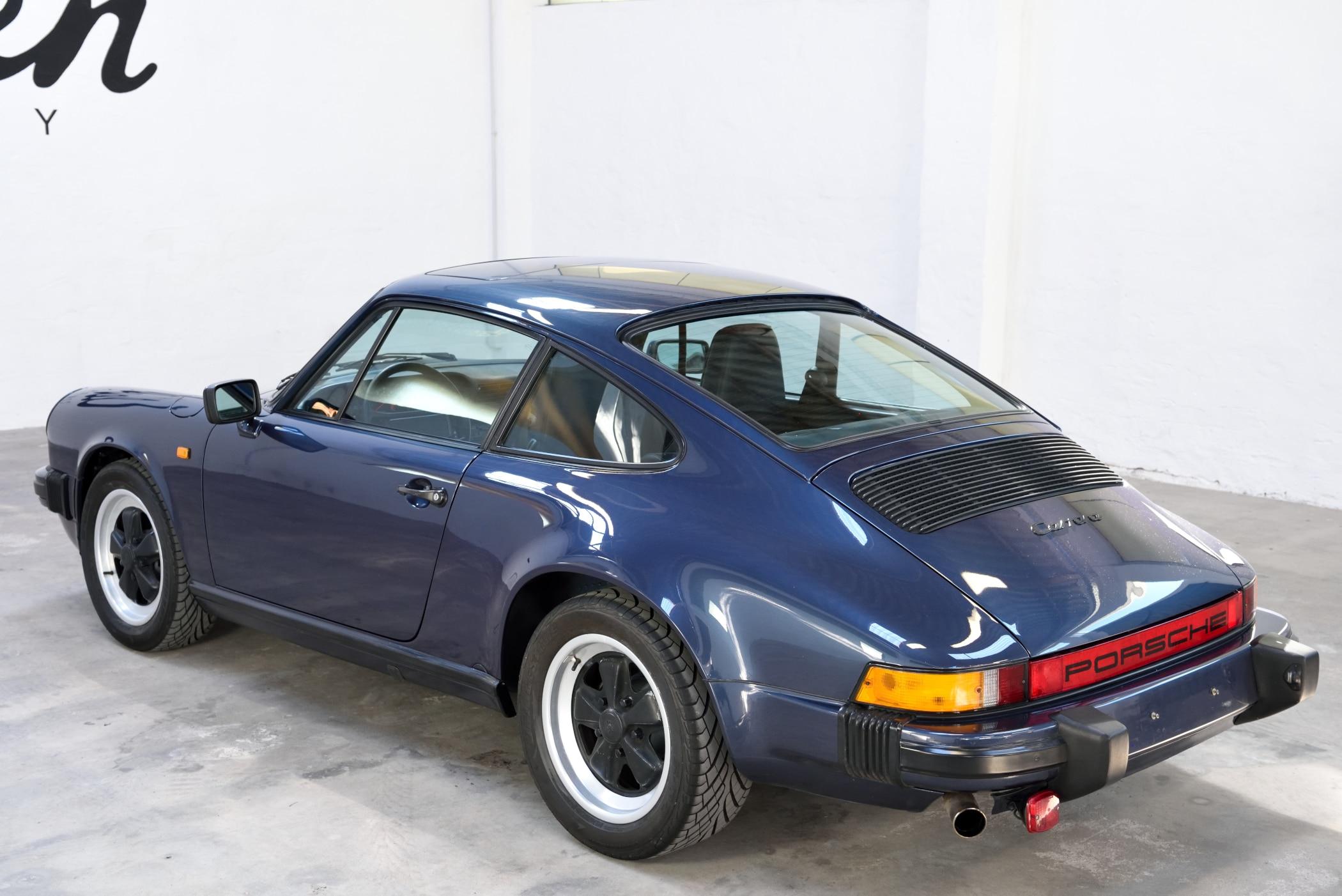 Porsche 911 preußisch-blau
