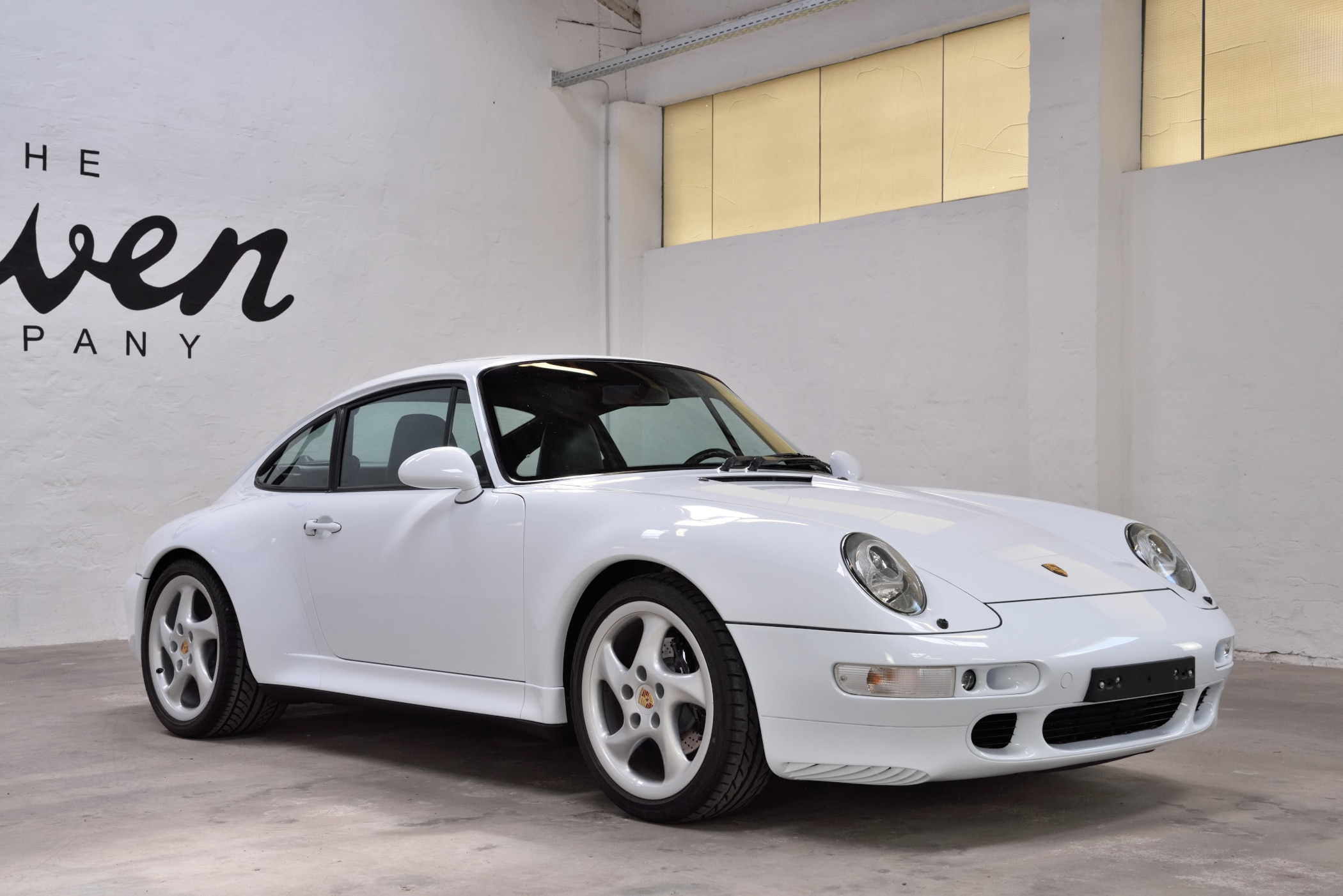 Porsche firnweiß