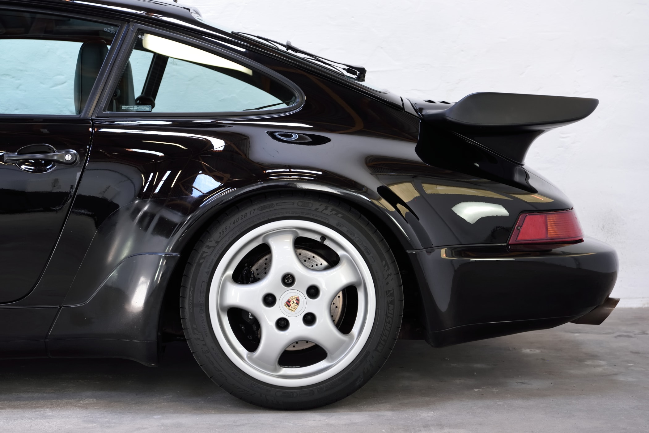 Porsche 964 Turbo schwarzmetallic
